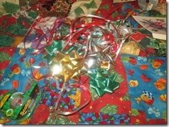 Ribbon_Packing_Gifts